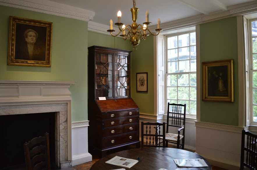 Interior room of Dr Johnson's House, London