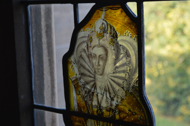 Stained glass window of Elizabeth I of eltham palace great hall