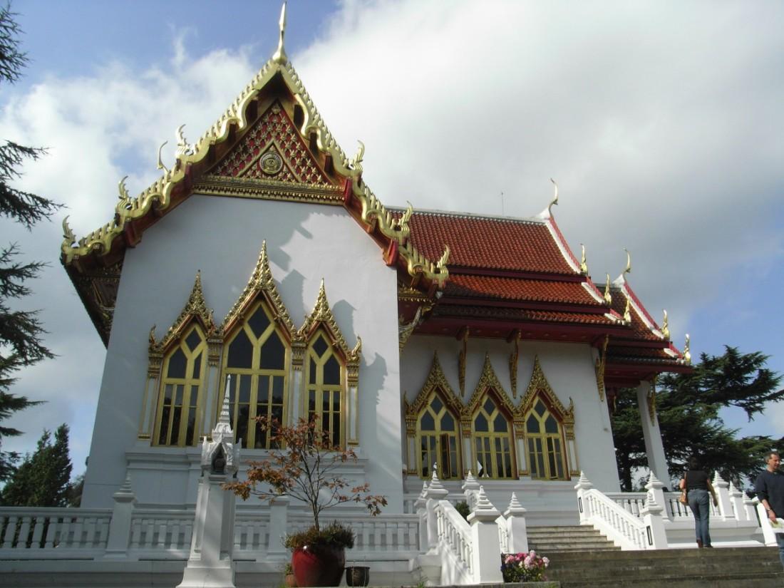 Wat Buddhapadipa Temple, Wimbledon, London