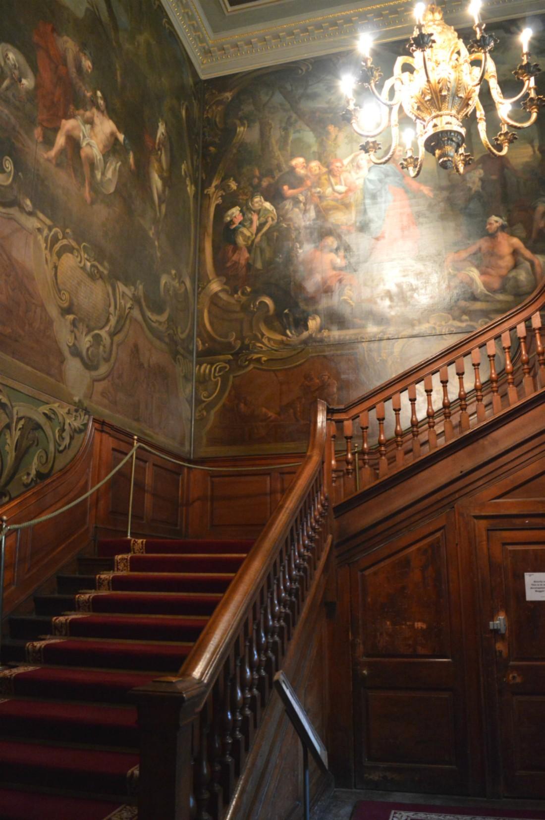 hogarth staircase, st bartholomew hospital museum, london
