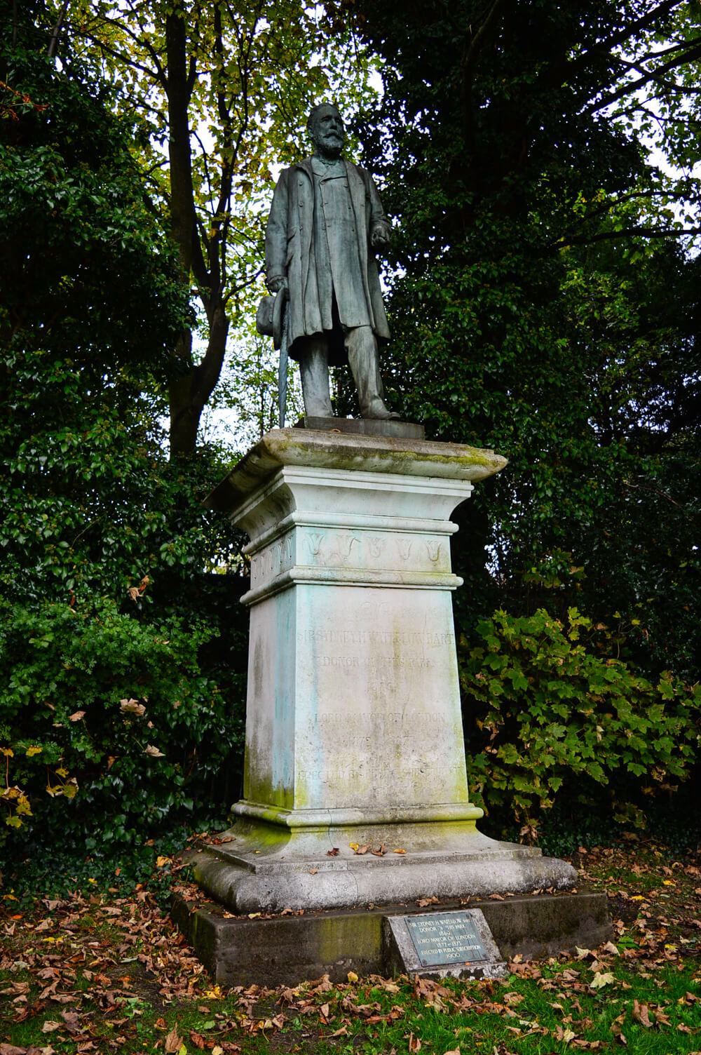 Statue of Sydney H. Waterlow at Waterlow Park, Hampstead, London